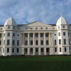 MBA Colleges in Delhi: http://www.acem.edu.in