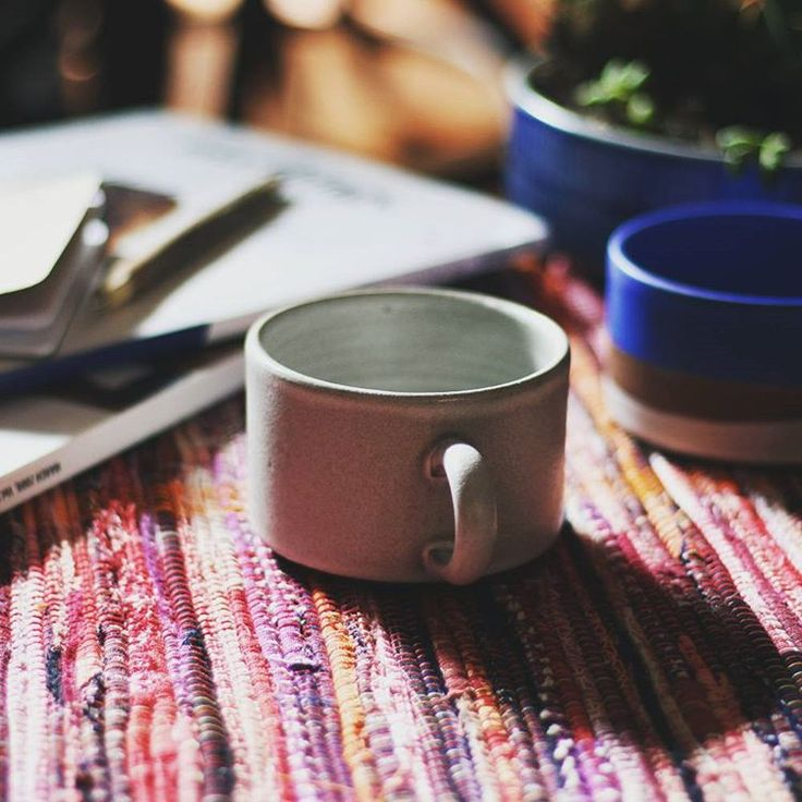 Cozy up your home with handmade mugs from local artist @dina_ceramic_soap and handwoven Sakiori placemats by local weavers The Swede Sisters. The placemats are made from upycling fabric scraps from the studio!   Browse our homewares online at Kirikomade.com    #kirikomade #madeinportland #madelocal #handmade #ceramics #mug #sakiori #weaving #handwoven #fabric