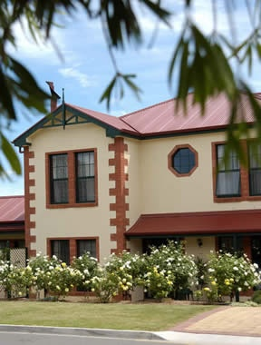 Wine and Roses :: Bed &; Breakfast - Heart of McLaren Vale, South Australia