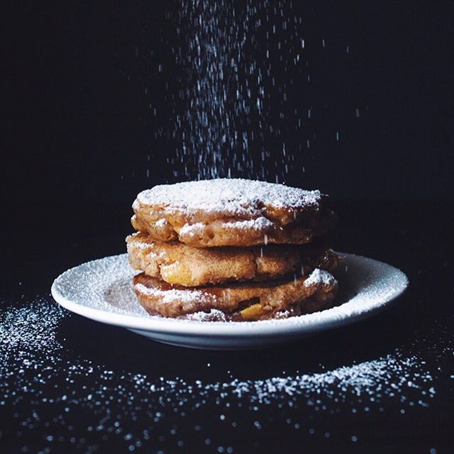 Apple Fritter Pancakes // Wife Mama Foodie. Find this #recipe and 20+ more on our Gluten Free Kids Feed at https://feedfeed.info/gluten-free-kids?img=1094616 #feedfeed