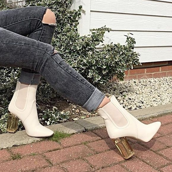 Brand New Beige ankle boots Simmi shoes, not Zara. Zara Shoes Ankle Boots & Booties