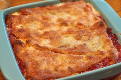 Cherry cream cheese cobbler (made with crecent rolls) - Southern Plate: Southern Plates, Cheese Cobbler, Chee Cobbler, Pies Recipes, Cherries Cheese, Cherries Cobbler, Peasi Cherries, Crescents Rolls, Cream Cheeses