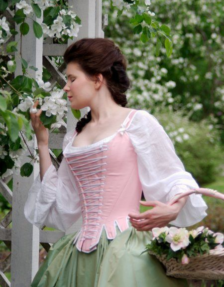 Pink 18th century stays by Couture Mayah. I just love this lady's work, and the colours she puts together. The shift is so romantic!