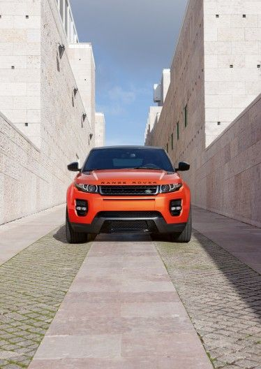 The Range Rover Autobiography Dynamic Evoque has a tweaked chassis for better handling