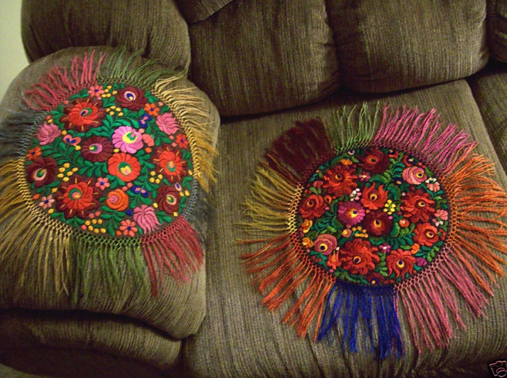 Doilies with fringe and embroidery
