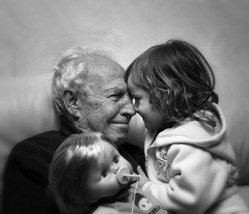L'amore dei nonni si legge nello sguardo