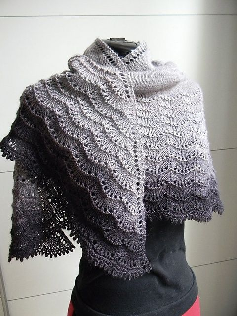 Stormy Skies Knitted Lace Shawl || Free Pattern
