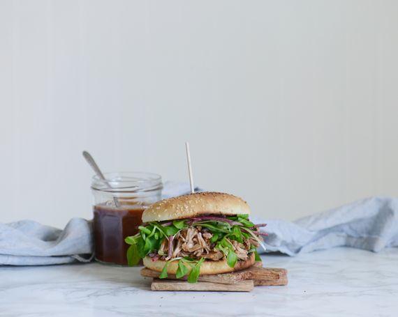 Burger au fruit du jacquier, façon porc effiloché végé