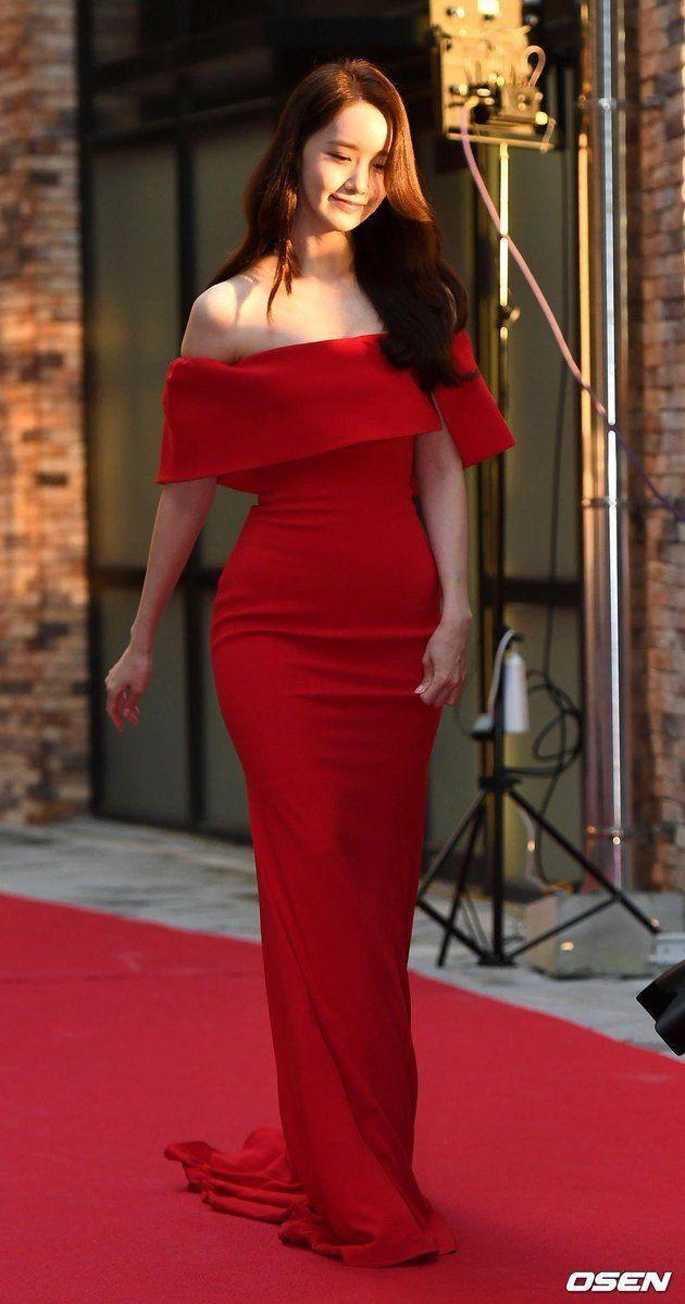 Bak Princess 10 Penampilan Anggun Yoona Kenakan Gaun Di Red Carpet Wanita Model Pakaian Gaya Model Pakaian