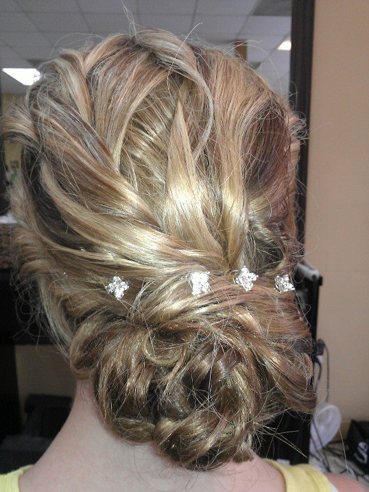 This FAB hairstyle was done by Jillian Vance! Loveeee it!