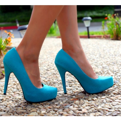 Blue Heels. LOVE the color.Baby Blue, Fashion, Style, Wedding Shoes, Colors, Blue Shoes, Something Blue, Blue Heels, Somethingblue