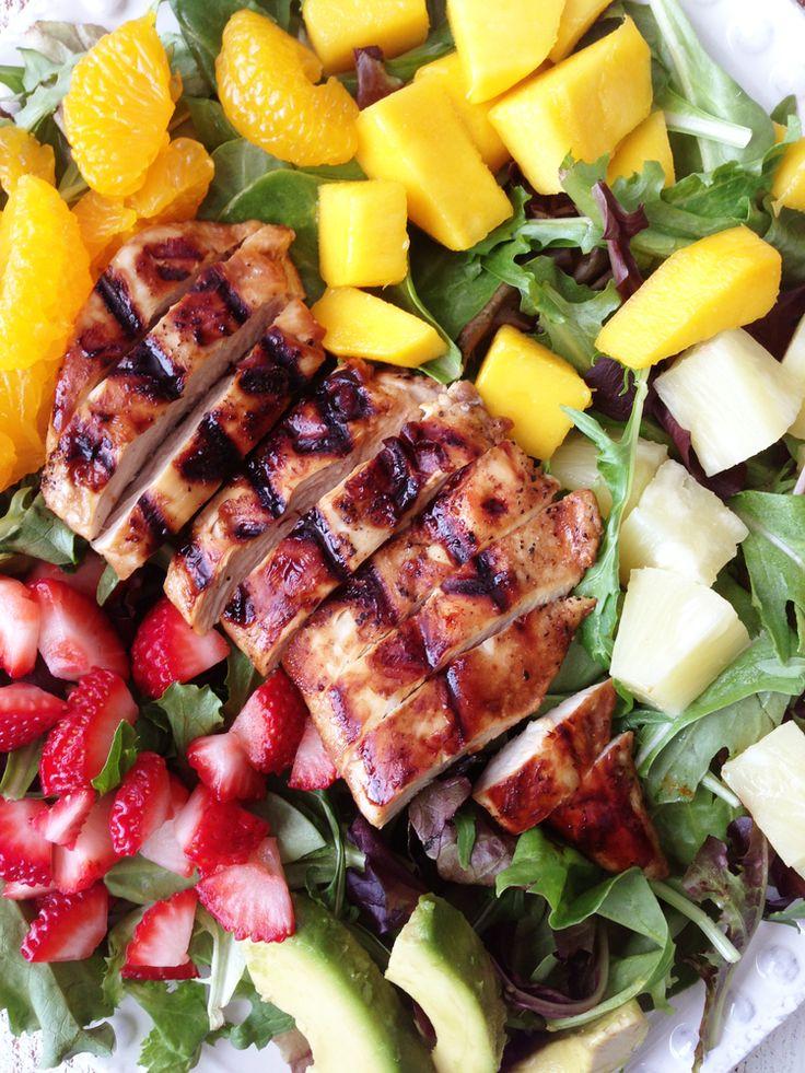 Ensalada tropical de pollo con vinagreta balsámica y miel
