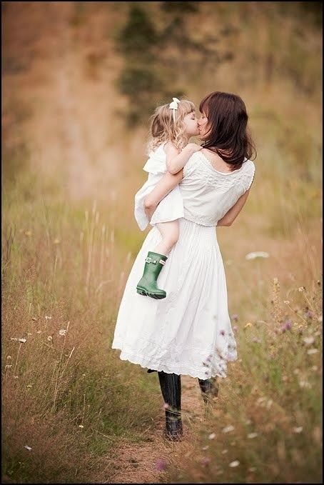 mother-daughter photo -- This would be cute for Mother's Day or throw the dad in and have it for Father's Day.
