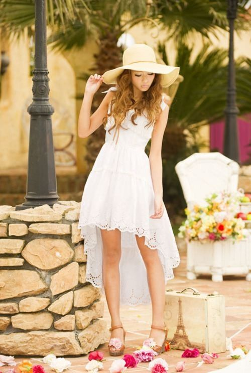 Really wanna get this gorgeous white dress !!