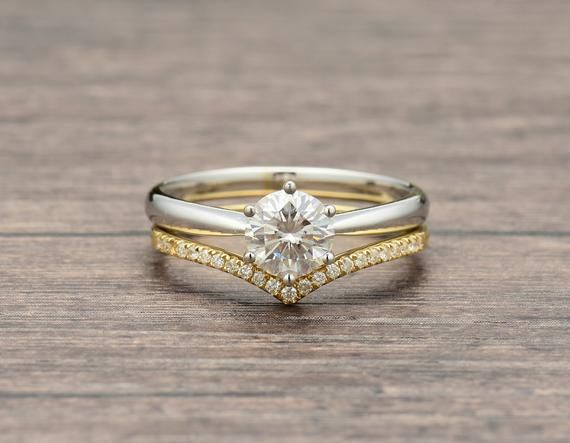 Wedding Set In Mixed Metal And V Wedding Band Moissanite And Etsy Mixed Metal Wedding Rings 18k White Gold Engagement Rings Titanium Wedding Rings