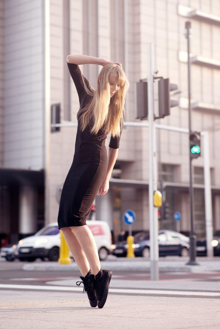 Elsa Dress na tle Warszawy: http://byinsomnia.com/kolekcja/wiosna-lato-2015/elsa-dress?variant_id=9344