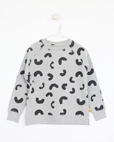 SYVER sweat - Grey - Black Cheese Doodles print    A collaboration with Vitviu. Photo Therese Fische