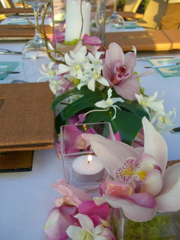 Renee Thomas Designs - Hawaii Florists - Tropical themed wedding reception centerpiece