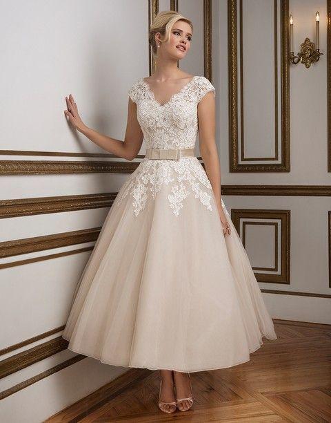 svadobné šaty, krajkové svadobne šaty, midi sukňa, midi svadobné šaty, svadobny salon valery, salon banska bystrica