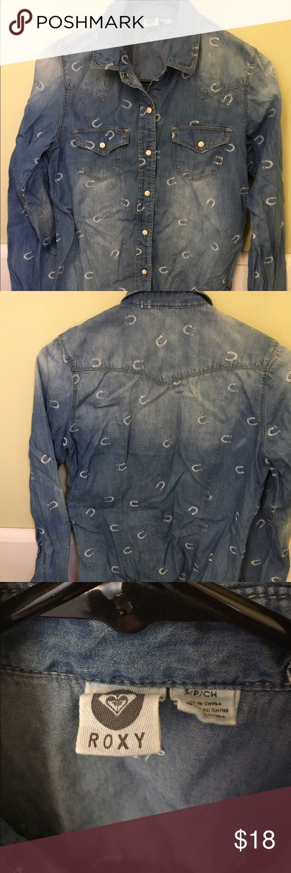 Roxy Women's Button Down Shirt Brand new, never worn, this Button-Down Shirt is so cute and perfect for that Country Concert coming up or for that every day Western Look. Soft 100% Cotton looks like Faded Denim but is comfortable like Cotton. With a Horseshoe Pattern, snap pockets and a snap down front, this shirt is really adorable. Giddy-Up🤠 Roxy Tops Button Down Shirts