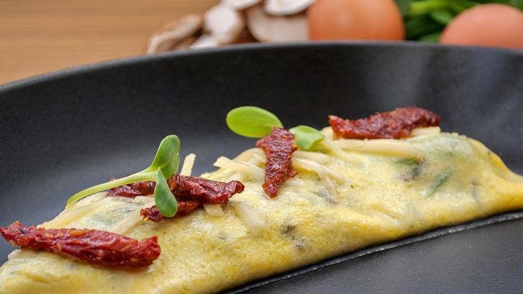 Veggie Omelette #theurbanvegetarian #brunch #vegetarian