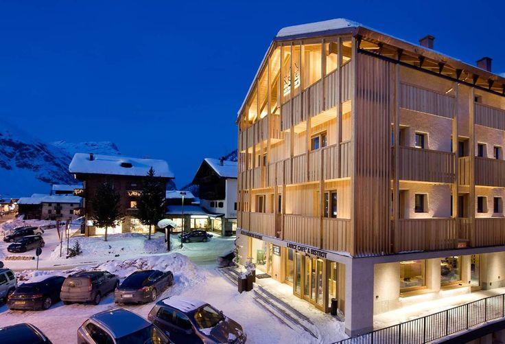 Hotel Garni Larice, suite & breakfast, Livigno, Italy http://charmhotelsweb.com/en/hotel/IT035