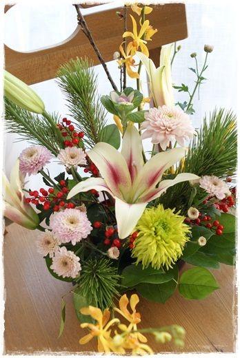 横浜・上大岡 Flower note 小さなお花の教室 です。「いつもの暮らしと普段着のお花」をテーマにレッスンをしています。(6名様以上で、グループレッスン…