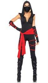 #Ninja #carnavalskostuum bestaande uit de zwarte jumpsuit met capuchon, de rode banden, het mondkapje en de handschoenen.