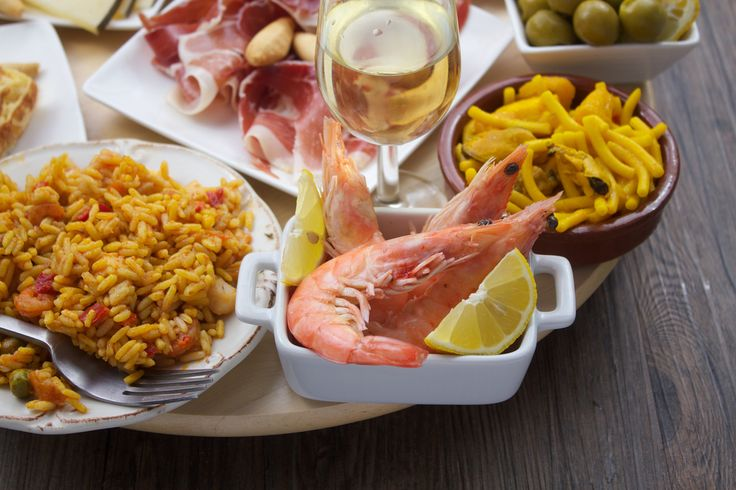 Cádiz Gourmet Tapas and Wine Tasting Tour  Join a 3 hour walking tour to 3 different restaurants to try different tapas and wine in Cadiz. Enjoy the amazing white wines from the mountains close to Cadiz, dry and sweet Sherries that you cannot find anywhere …
