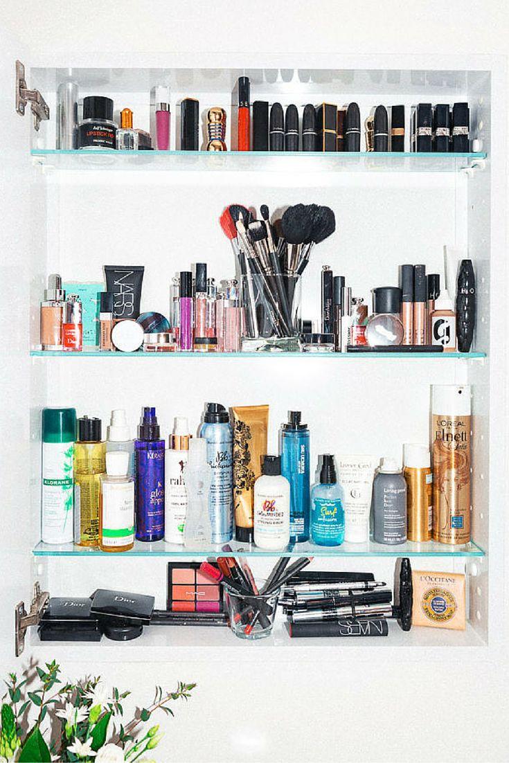 Bathroom of Violette, Makeup Artist