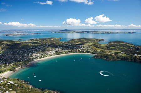 Waiheke Island, NZ... a few hours here was not enough! Would love to come back for the whole day (or two!) and properly taste some wine... :)
