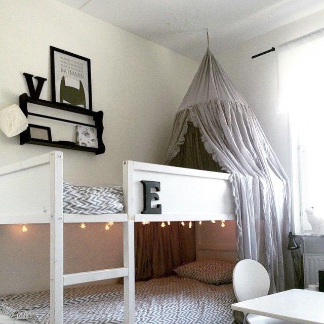 kura con dosel + luces + repisa en cama superior