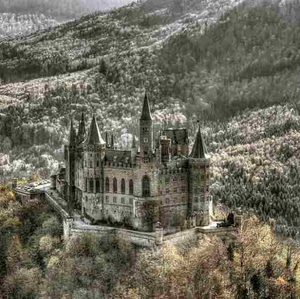The Hohenzollern Castle (Germany) - The Hohenzollern Castle was built in the 11th century but was completely destroyed in 1423, after being attacked for 10 months. It was almost destroyed again by an earthquake in 1978 but is now good to visit! - Want to discover more hidden gems in Europe? All of them can be found on www.broscene.com