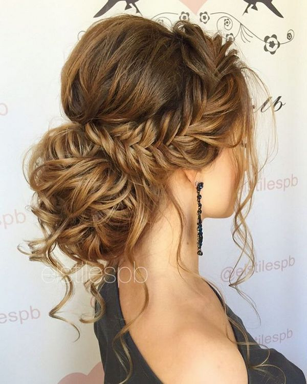 Elstile Long Wedding Hairstyles and Updos / http://www.deerpearlflowers.com/26-perfect-wedding-hairstyles-with-glam/4/
