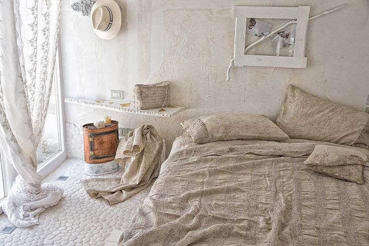 #danieladallavalle #artepura #bed #collection #design #style #home #linen #madeinitaly #lace #beige #earthtones #cozy #pillows #sweetdreams #room