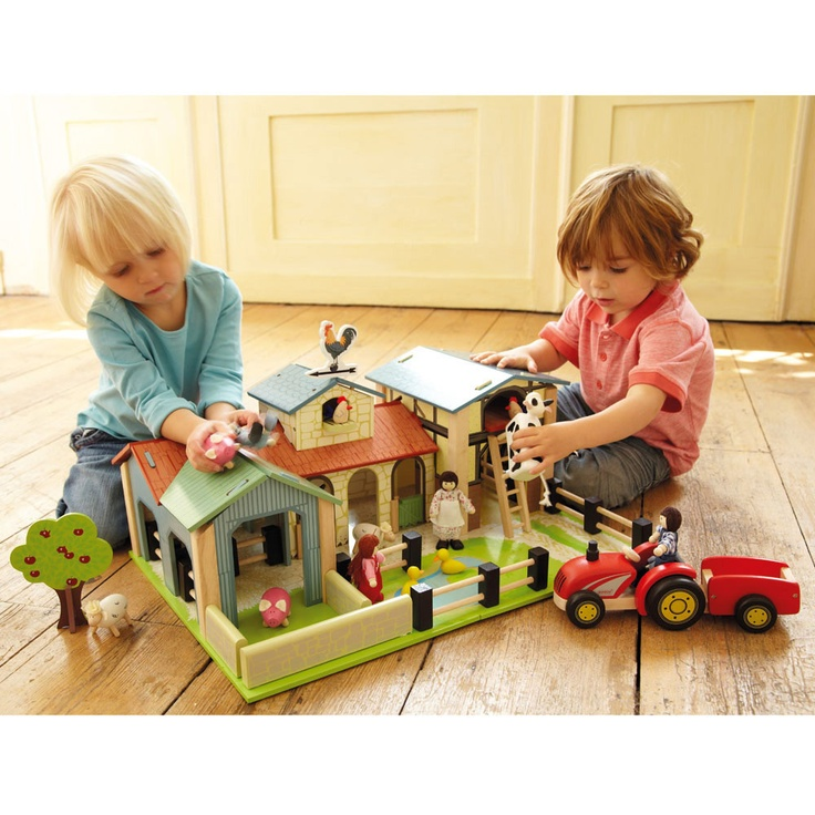 Pippin Toy Farm, Playmat, Wooden Animals, Tractor & Family together - Toys, Games & Crafts Offers gltc.co.uk