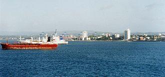 Colón Harbor in early 2000.