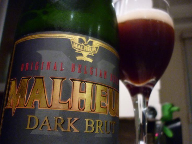 Malheur Dark Brut. Método Champenoise. Aromas de café, baunilha e madeira.