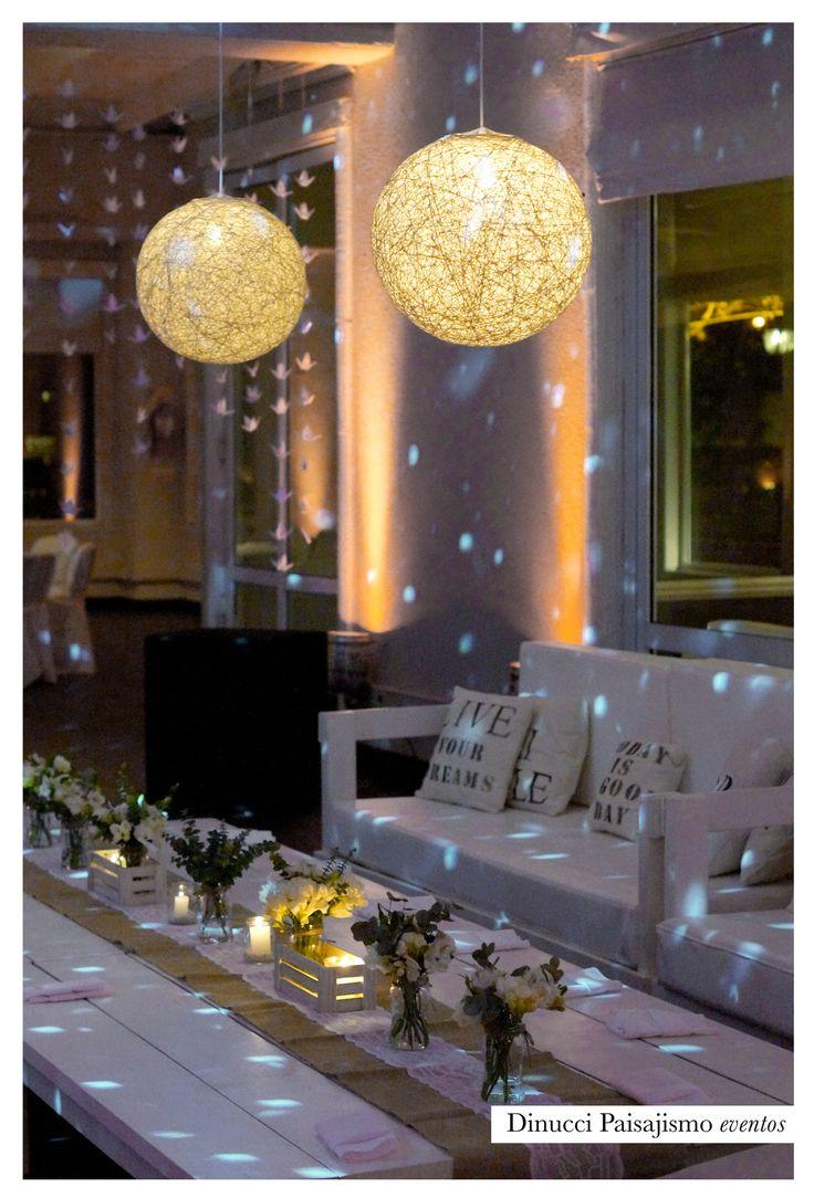 Deco para living principal #boda #wedding #deco #ambientación #arreglofloral #flores #lamparas #rústico #vintage #chic #vintage #almohadones @arpilarweddings