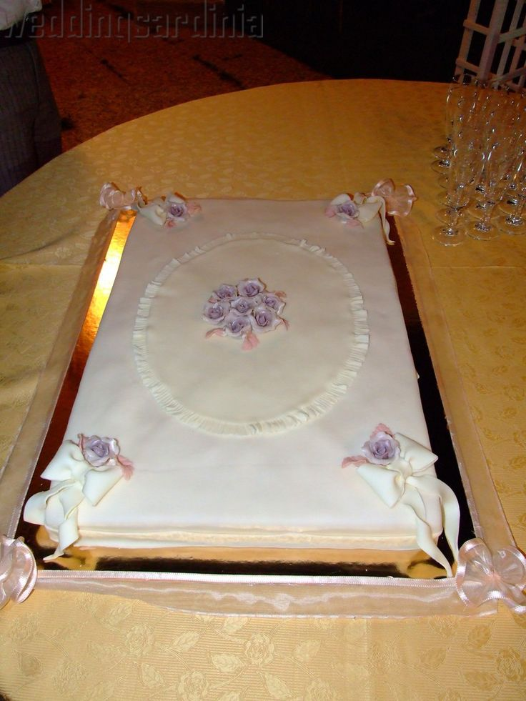 rectangular cake with marzipan covered with icing sugar wedding cakes pinterest cakes. Black Bedroom Furniture Sets. Home Design Ideas