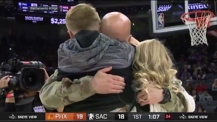 Children surprised by father returning from Afghanistan at Sacramento Kings game | ESPN - USANEWS.CA