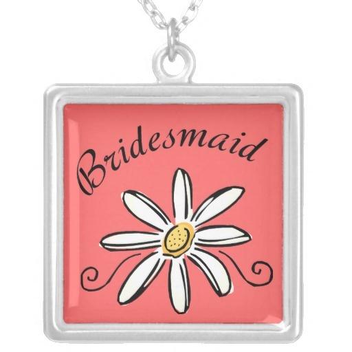 Bridesmaid Necklace featuring white daisy flower design. #bridesmaids #jewelry #lesrubaweddings