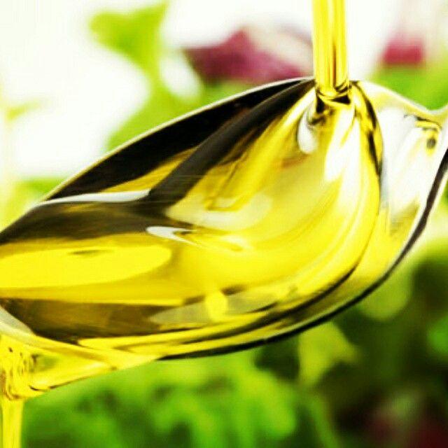 Tip der Woche: Wusstest du? Das kaltgepresste Traubenkernöl hat besonders hoher Vitamin-E und mehrfach ungesättigten Fettsäuren Gehalt. Ideal zum Abnehmen, Diät und gesunden Ernährung. http://www.burgls.at/de/TraubenkernoelSelection