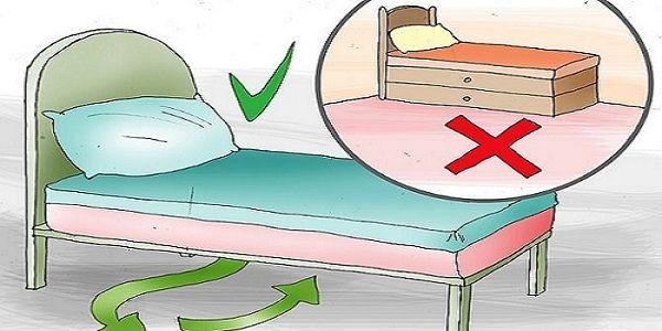 Experti na filozofiu Feng Shui hovoria, že keď ležíte alebo spíte na posteli, vaše podvedomie sa otvorí aabsorbuje energiu zokolia. To je hlavný dôvod, pre ktorý sa odporúča neukladať nič pod vašu posteľ. Je tu však jedna výnimka. Ako by malo vyzerať miesto pod posteľou