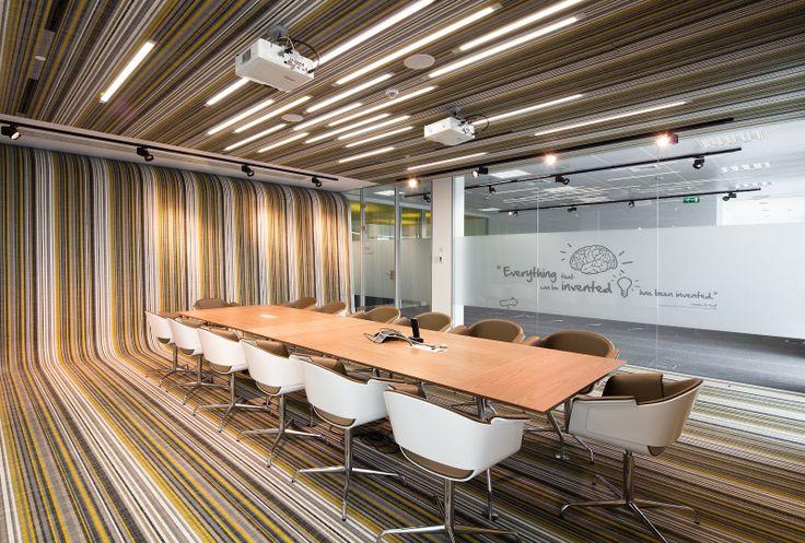 Creative Office Meeting Room Design