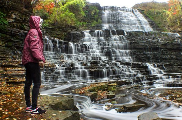 16 Surreal Waterfalls You Can Visit In Ontario | Narcity Toronto