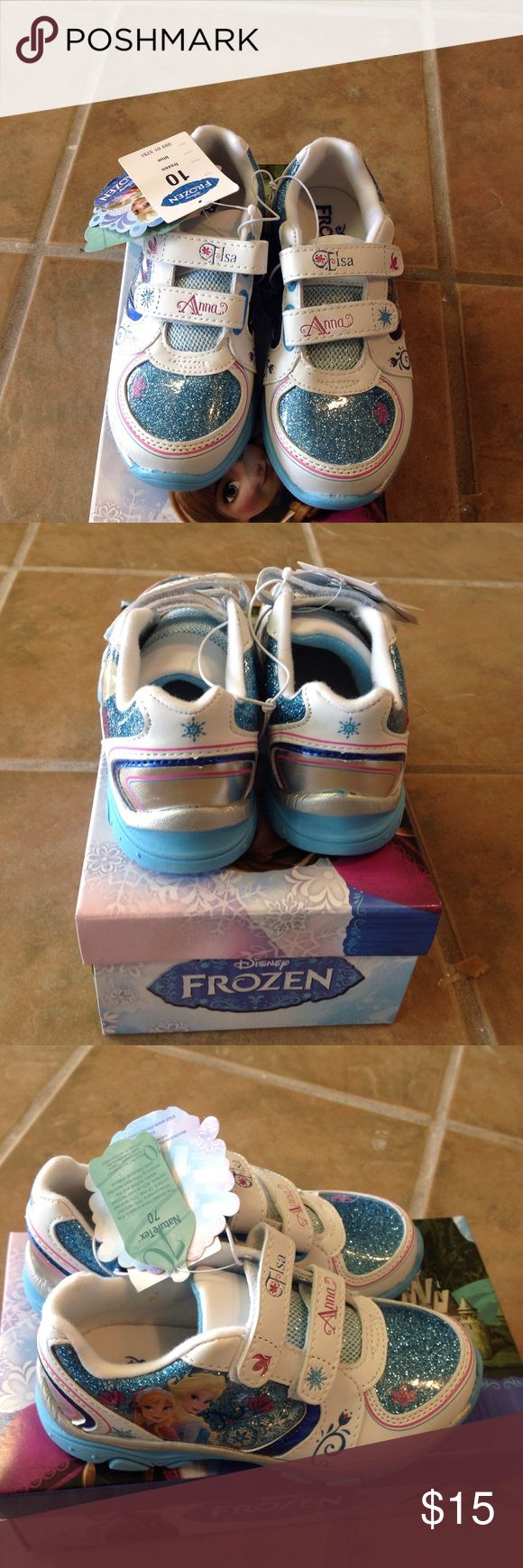 Frozen Girls Tennis Shoes🎈🐶👒 These beautiful kids shoes lights up when walking ....beautiful in bright blue and also have the names of the princess and her sister on strap.. frozen Shoes Sneakers