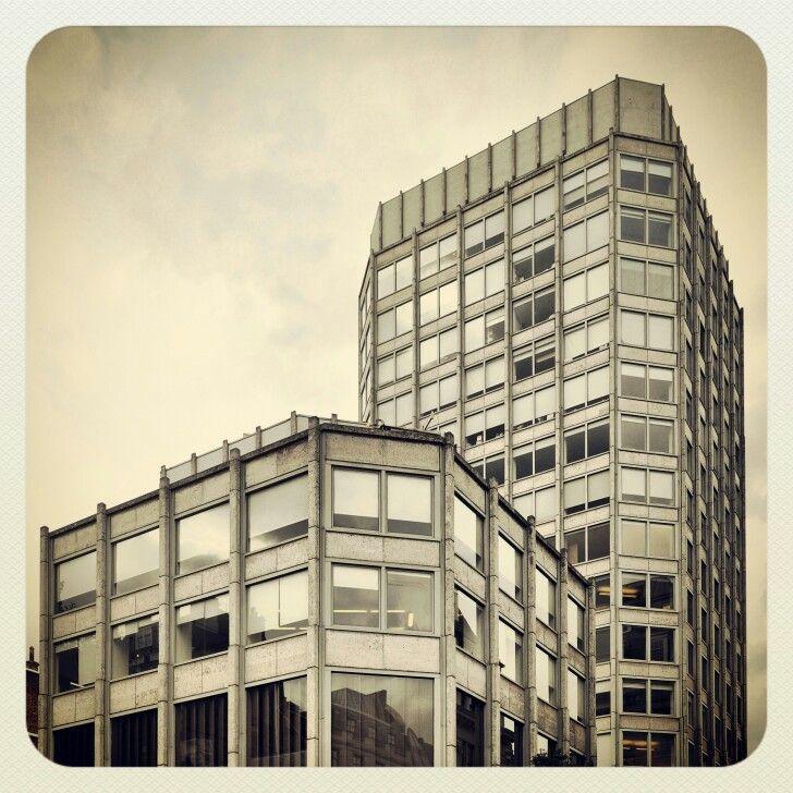 Peter Smithson/Alison Smithson - ECONOMIST BUILDING