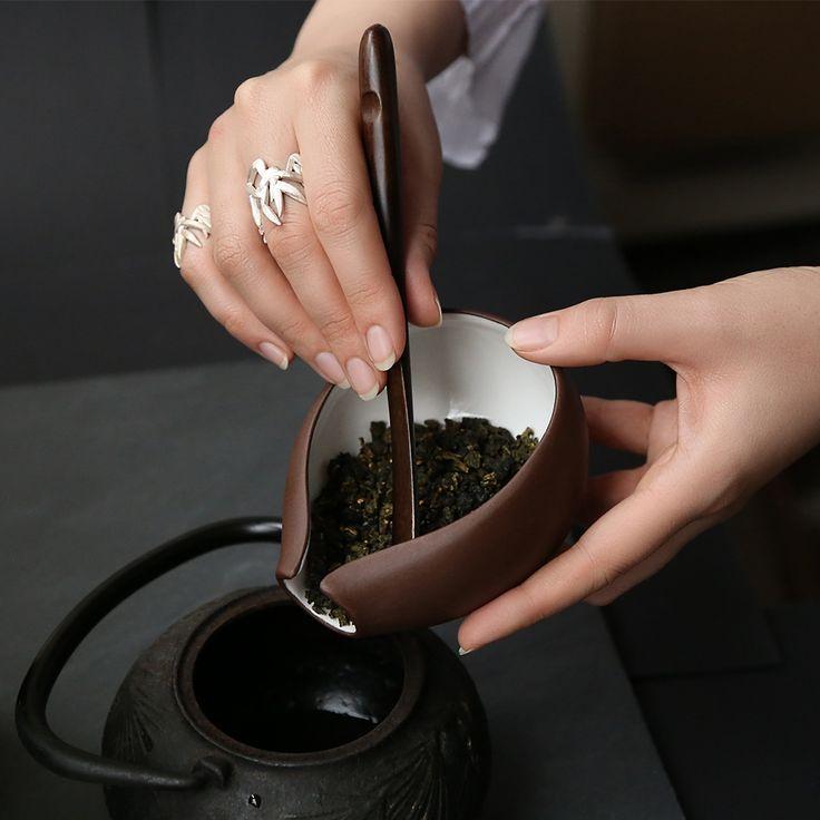 Кольца «Бамбук» из коллекции «Восток». Выполнены из золота 585 пробы или серебра 925 пробы.
