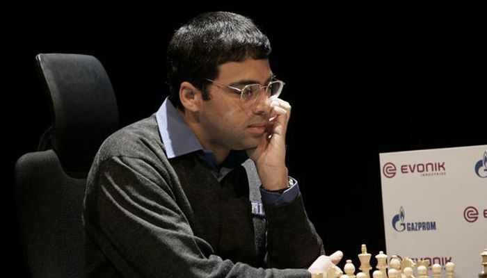 Viswanathan Anand plays out tense draw against Fabiano Caruana Details: http://goo.gl/QJjMth  #gismaark #viswanathananand #fabianocaruana #chess